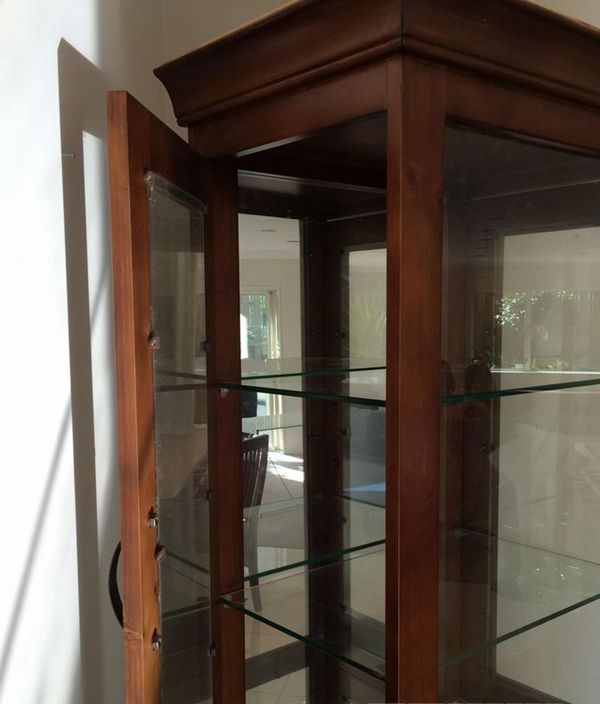 Display-Cabinet-5